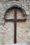 Οξυδωμένος σταυρός σιδήρου Στοκ Φωτογραφίες