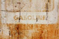 Οξυδωμένο σημάδι βενζίνης. Στοκ φωτογραφία με δικαίωμα ελεύθερης χρήσης
