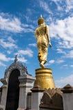 Οπίσθια πλευρά του χρυσού αγάλματος του Βούδα στοκ εικόνες με δικαίωμα ελεύθερης χρήσης