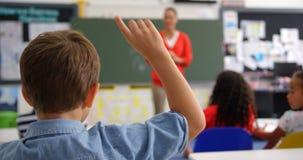 Οπισθοσκόπος της αύξησης μαθητών παραδώστε την τάξη 4k απόθεμα βίντεο