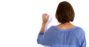 Οπισθοσκόπος της γυναίκας που χτυπά έναν τοίχο απόθεμα βίντεο