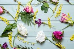 οποιαδήποτε χρώματα υπάρχουν λουλούδια τέσσερα έκδοση προτύπων Στοκ Εικόνες