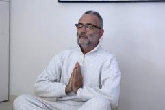 Οπουδήποτε μπορείτε να χαλαρώσετε και meditate, άτομο στοκ εικόνες