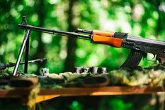 Οπλοστάσιο πολεμικών πυροβόλων όπλων Στοκ εικόνα με δικαίωμα ελεύθερης χρήσης