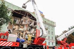 Ορέλ, Ρωσία, στις 29 Αυγούστου 2017: Κατάρρευση του παλαιού σπιτιού διαμερισμάτων Στοκ Φωτογραφία