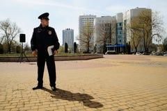 Ορέλ, Ρωσία - 28 Απριλίου 2017: Συνάντηση οδηγών Μόνος αστυνομικός Στοκ εικόνα με δικαίωμα ελεύθερης χρήσης