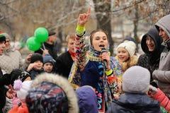 Ορέλ, Ρωσία - 13 Μαρτίου 2016: Maslenitsa, φεστιβάλ τηγανιτών Gir Στοκ εικόνα με δικαίωμα ελεύθερης χρήσης