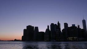 Ορίζοντας ηλιοβασιλέματος πόλεων της Νέας Υόρκης απόθεμα βίντεο
