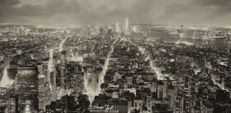 Ορίζοντας νύχτας της πόλης της Νέας Υόρκης σε γραπτό, ΗΠΑ Στοκ φωτογραφία με δικαίωμα ελεύθερης χρήσης