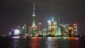 Ορίζοντας νύχτας της Σαγκάη, οικονομική πλήμνη Lujiazui, ζώνη ελεύθερου εμπορίου, πολυάσχολη ναυτιλία ποταμών Huangpu απόθεμα βίντεο
