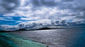 ορίζοντας πέρα από τη θάλασ&si Στοκ φωτογραφία με δικαίωμα ελεύθερης χρήσης