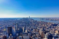 Ορίζοντας πόλεων της Νέας Υόρκης στη μεσημβρία στοκ εικόνες με δικαίωμα ελεύθερης χρήσης