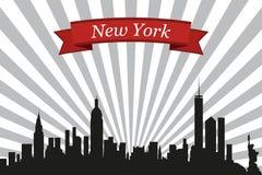 Ορίζοντας πόλεων της Νέας Υόρκης με το υπόβαθρο και την κορδέλλα ακτίνων Στοκ Εικόνα