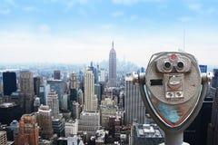 Ορίζοντας πόλεων της Νέας Υόρκης - της περιφέρειας του κέντρου και Εmpire State Building, άποψη από το κέντρο Rockefeller Στοκ Εικόνα
