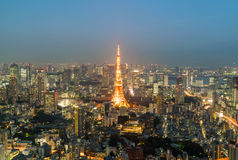 Ορίζοντας πόλεων του Τόκιο με τον πύργο του Τόκιο Στοκ φωτογραφία με δικαίωμα ελεύθερης χρήσης