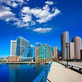 Ορίζοντας της Βοστώνης από τη γέφυρα λεωφόρων θαλάσσιων λιμένων Στοκ Εικόνες