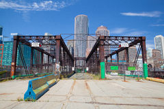 Ορίζοντας της Βοστώνης και βόρεια γέφυρα λεωφόρων Στοκ Εικόνες