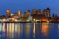 Ορίζοντας της Βοστώνης τη νύχτα, Μασαχουσέτη, ΗΠΑ Στοκ φωτογραφία με δικαίωμα ελεύθερης χρήσης