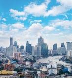 ορίζοντας της Μπανγκόκ εικονικής παράστασης πόλης, Ταϊλάνδη Η Μπανγκόκ είναι μητρόπολη και φ στοκ εικόνες με δικαίωμα ελεύθερης χρήσης