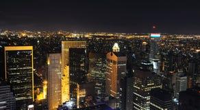 Ορίζοντας της Νέας Υόρκης νύχτας στοκ φωτογραφία