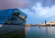 Ορίζοντας της Σιγκαπούρης και άποψη του κόλπου μαρινών στο σούρουπο Στοκ εικόνα με δικαίωμα ελεύθερης χρήσης