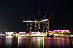 Ορίζοντας της Σιγκαπούρης τη νύχτα Στοκ φωτογραφία με δικαίωμα ελεύθερης χρήσης