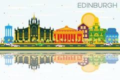 Ορίζοντας του Εδιμβούργου Σκωτία με τα κτήρια, το μπλε ουρανό και το Πε χρώματος απεικόνιση αποθεμάτων