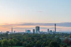Ορίζοντας του Λονδίνου που βλέπει από το Primrose Hill στοκ φωτογραφία