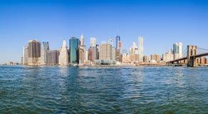 Ορίζοντας του Λόουερ Μανχάταν από το πάρκο γεφυρών του Μπρούκλιν, NYC, ΗΠΑ Στοκ Φωτογραφία