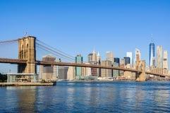 Ορίζοντας του Λόουερ Μανχάταν από Dumbo, NYC, ΗΠΑ Στοκ φωτογραφίες με δικαίωμα ελεύθερης χρήσης