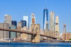 Ορίζοντας του Λόουερ Μανχάταν από Dumbo, NYC, ΗΠΑ Στοκ φωτογραφία με δικαίωμα ελεύθερης χρήσης