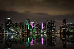 Ορίζοντας του Μαϊάμι τη νύχτα Στοκ Φωτογραφίες