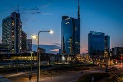 Ορίζοντας του Μιλάνου από τη γέφυρα στην περιοχή nuova porta στοκ φωτογραφίες με δικαίωμα ελεύθερης χρήσης