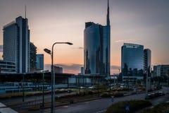 Ορίζοντας του Μιλάνου από τη γέφυρα στην περιοχή nuova porta στοκ φωτογραφία με δικαίωμα ελεύθερης χρήσης