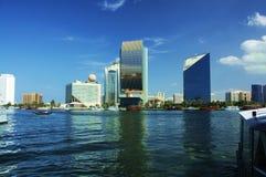 ορίζοντας του Ντουμπάι κ& Στοκ εικόνα με δικαίωμα ελεύθερης χρήσης