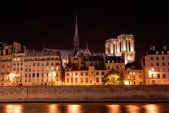 ορίζοντας του Παρισιού νύχτας Στοκ Εικόνες