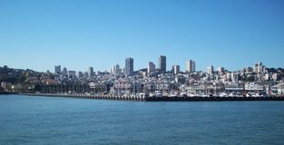 Ορίζοντας του Σαν Φρανσίσκο Στοκ φωτογραφία με δικαίωμα ελεύθερης χρήσης