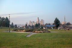 Ορίζοντας του Σιάτλ από το πάρκο του Jefferson Στοκ Εικόνες
