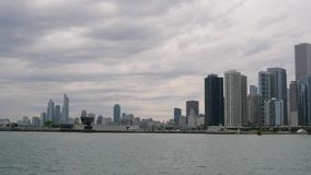 Ορίζοντας του Σικάγου - άποψη από την αποβάθρα ναυτικών φιλμ μικρού μήκους