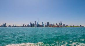 Ορίζοντας του Σικάγου - δείτε από τη λίμνη Μίτσιγκαν - ΣΙΚΑΓΟ, ΗΠΑ - 12 ΙΟΥΝΊΟΥ 2019 στοκ φωτογραφία με δικαίωμα ελεύθερης χρήσης