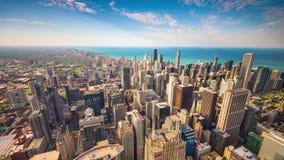 Ορίζοντας του Σικάγου, Ιλλινόις, ΗΠΑ στο σούρουπο απόθεμα βίντεο