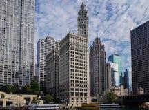 Ορίζοντας του Σικάγου πόλεων και μεγάλα κτίρια γραφείων στοκ φωτογραφία με δικαίωμα ελεύθερης χρήσης