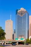 Ορίζοντας του Χιούστον από το χώρο στάθμευσης Άλλεν στο Τέξας ΗΠΑ στοκ φωτογραφία