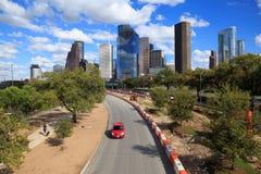 Ορίζοντας του Χιούστον Τέξας με τους σύγχρονους ουρανοξύστες και την άποψη μπλε ουρανού Στοκ Εικόνα