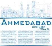 Ορίζοντας του Ahmedabad περιλήψεων με τα μπλε κτήρια και το διάστημα αντιγράφων Στοκ Φωτογραφία
