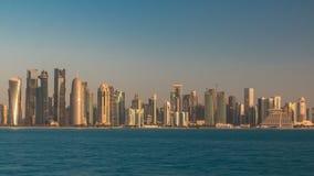 Ορίζοντας Doha timelapse στο Κατάρ το πολύ νωρίς πρωί απόθεμα βίντεο
