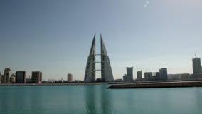 Ορίζοντας Manama κατά τη διάρκεια της ημέρας pan WTC απόθεμα βίντεο
