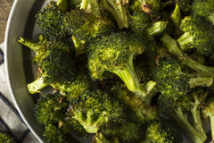 Οργανικά πράσινα ψημένα Florets μπρόκολου Στοκ Εικόνες