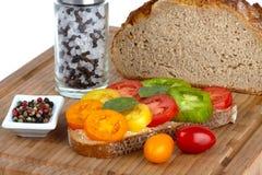 οργανικές τεμαχισμένες ντομάτες στοκ φωτογραφίες με δικαίωμα ελεύθερης χρήσης