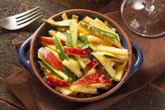 Οργανική σαλάτα λαχανικών και φρούτων Στοκ φωτογραφίες με δικαίωμα ελεύθερης χρήσης